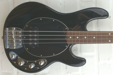 Ernie Ball Musicman Stingray 4 3BD USA fretless, gebraucht